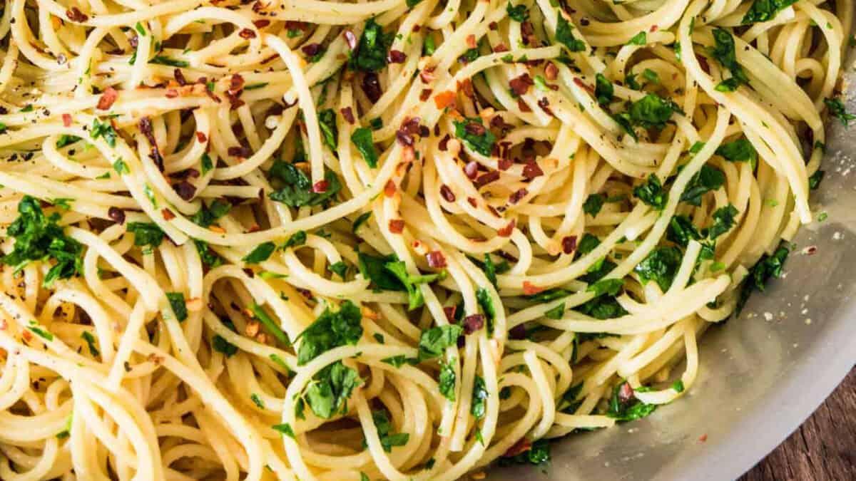 Pasta con Aglio, Olio Evo e Peperoncino: un grande classico! 2