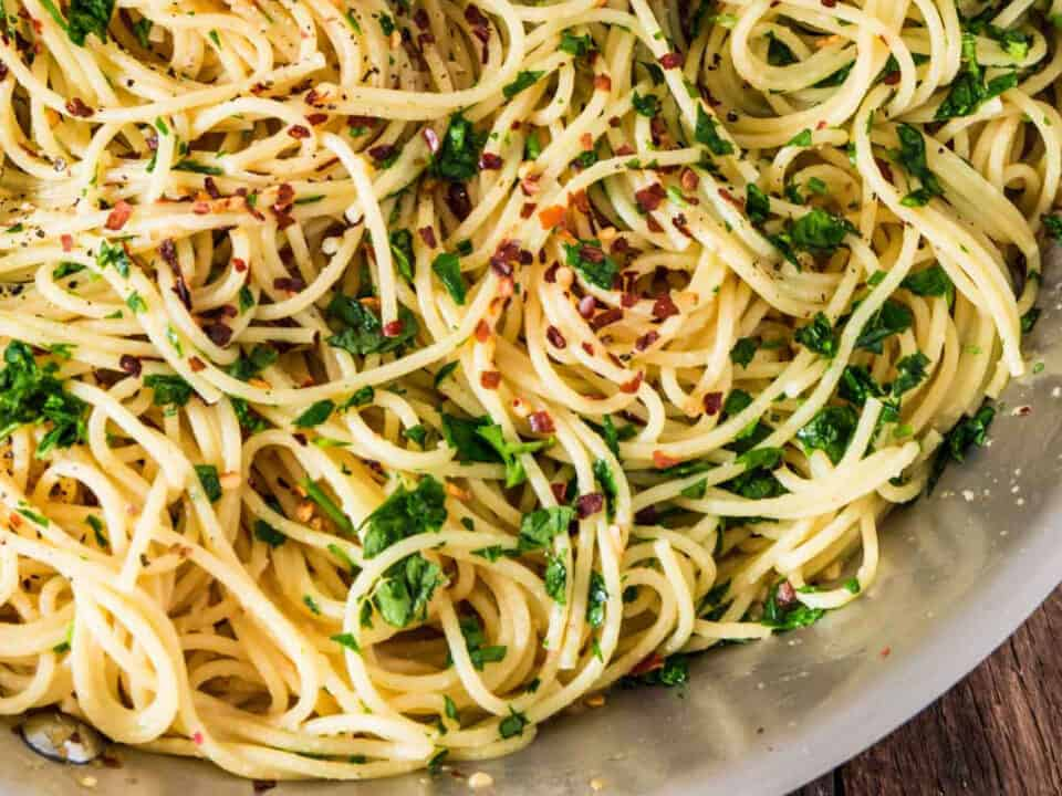 Pasta with Garlic, Extra Virgin Olive Oil and Chilli: a great classic! 9